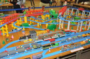 宮崎イオンホールで作成した「鉄道模型ジオラマ」の様子